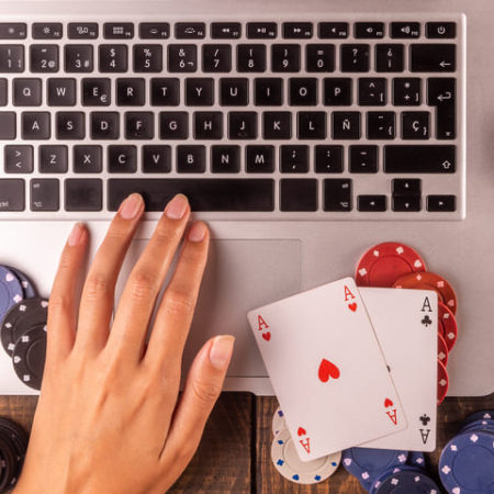 Where to play Texas Hold'em poker online?